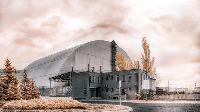 Саркофаг Укрытие над энергоблоком Чернобыльской АЭС