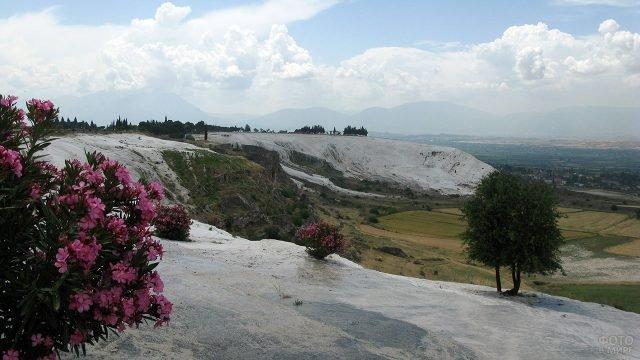 Северный склон горы Памуккале