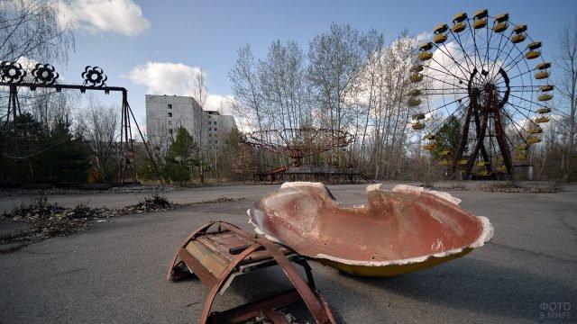 Металлолом в парке аттракционов города-призрака Припять