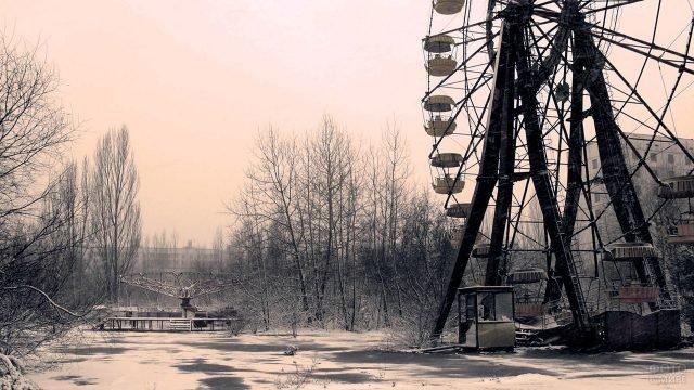 Зима в Припяти, парк с Колесом обозрения