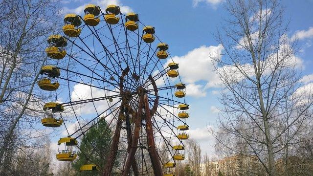 Знаменитое колесо обозрения в заброшенной Припяти