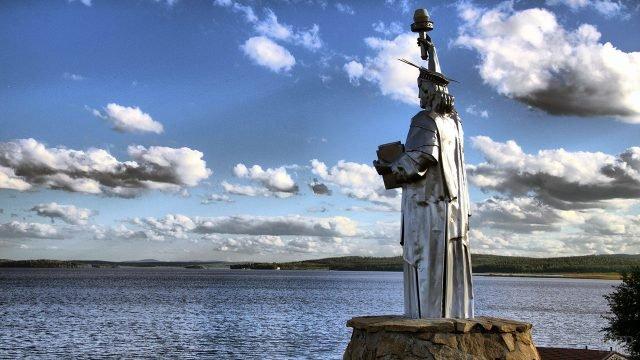 Стилизованная копия Статуи Свободы в Свердловской области