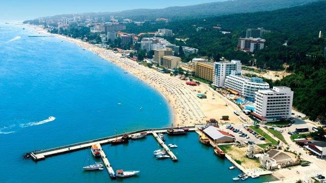 Побережье болгарского курорта Солнечный берег с высоты птичьего полёта
