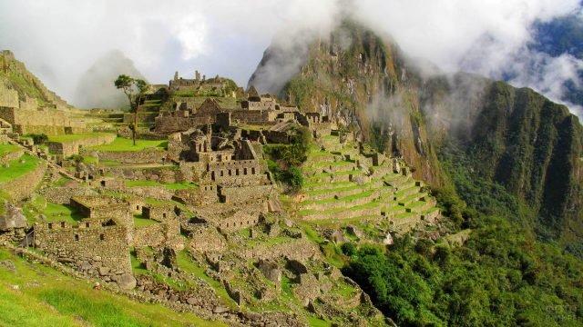 Древний город инков фото с бокового ракурса