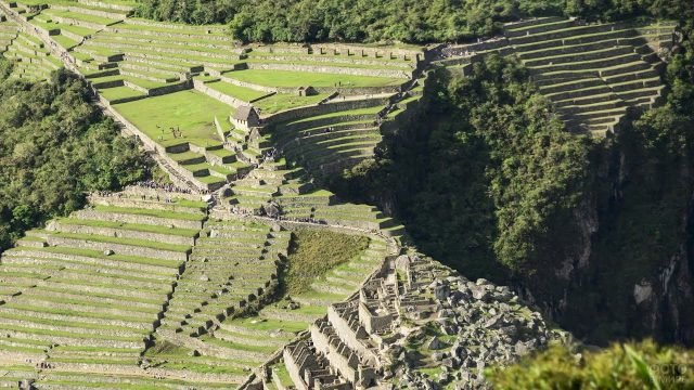 Ступени инков вид сверху на руины