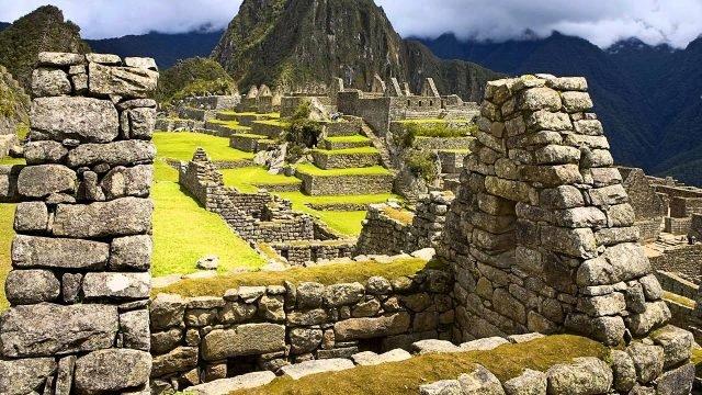 Вид на древний город с крыши одного из зданий