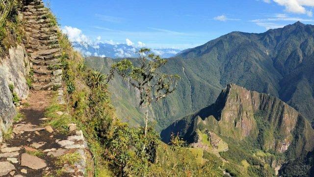 Вид на горы с лестницы инков