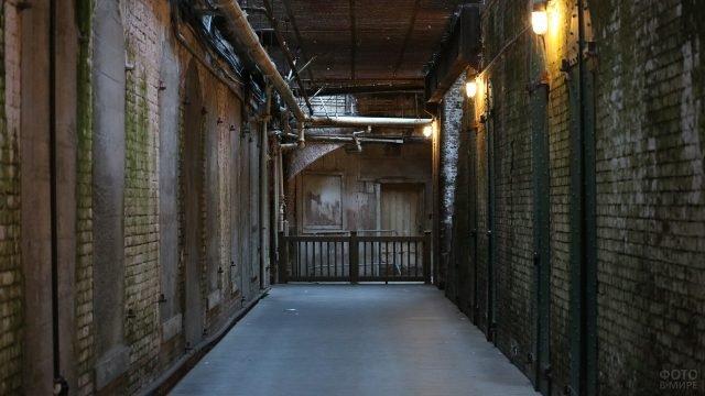 Мрачные коридоры тюрьмы Алькатрас