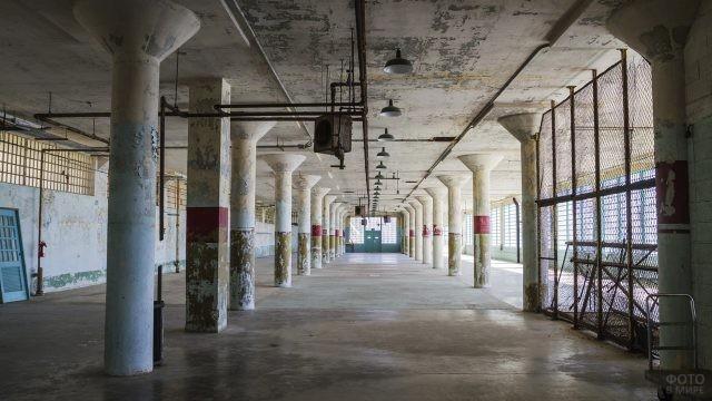 Заброшенные помещения в бывшей тюрьме