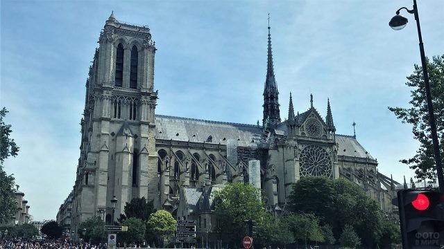 Вид на собор Парижской Богоматери с моста оДубль