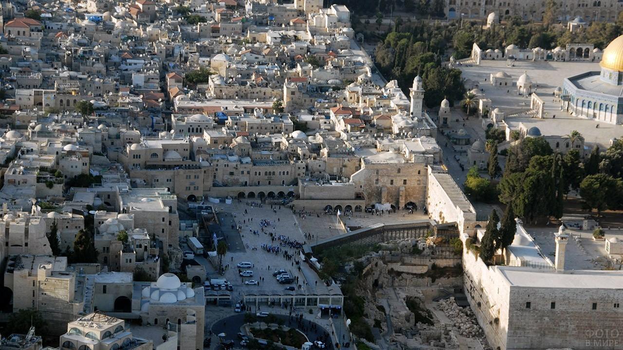 Стена Плача на панораме Иерусалима
