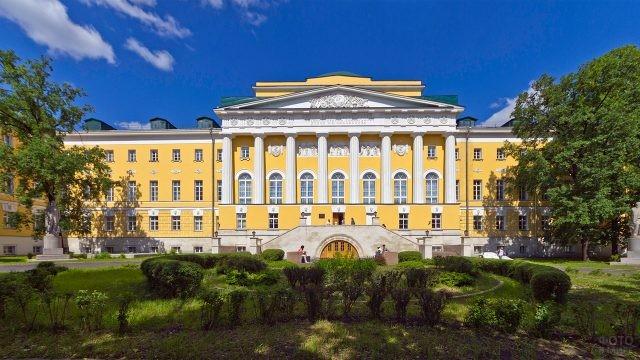Старое здание МГУ на Моховой улице - Казаковский корпус