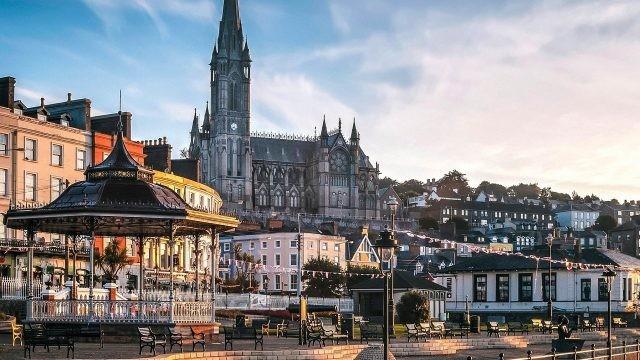 Панорамный вид на красоты города Корк