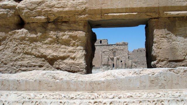 Каменные руины древней Пальмиры