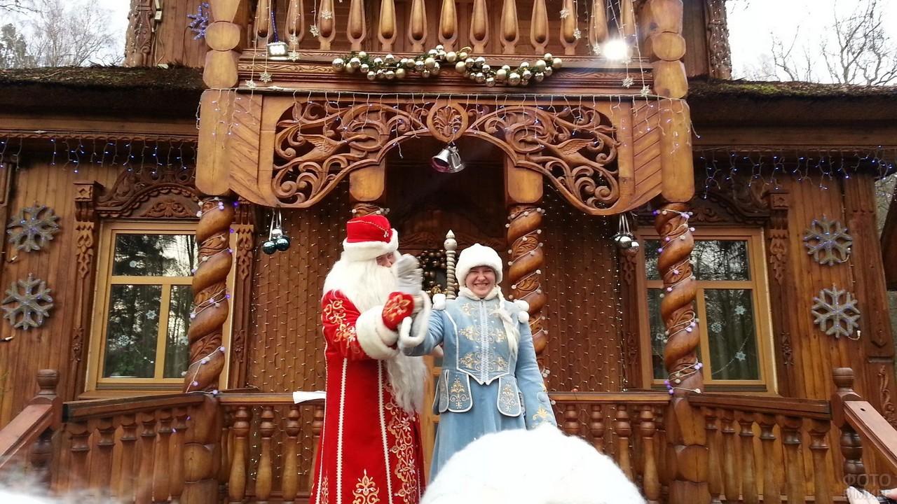 Дед Мороз со Снегурочкой в Беловежской пуще