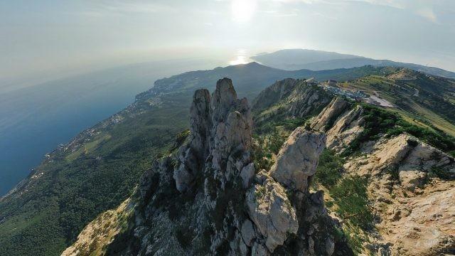 Невообразимой красоты панорама с горы Ай-Петри