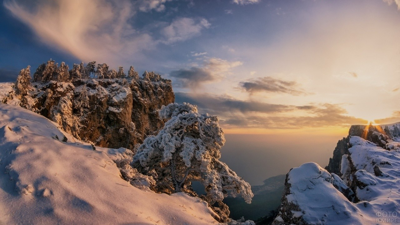 Снег на горе Ай-Петри