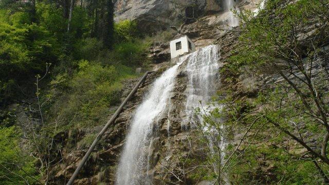 Водопад Учан-Су у горы Ай-Петри