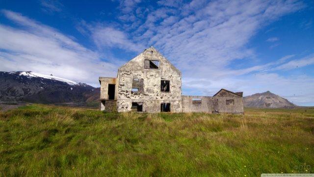 Развалины старого дома