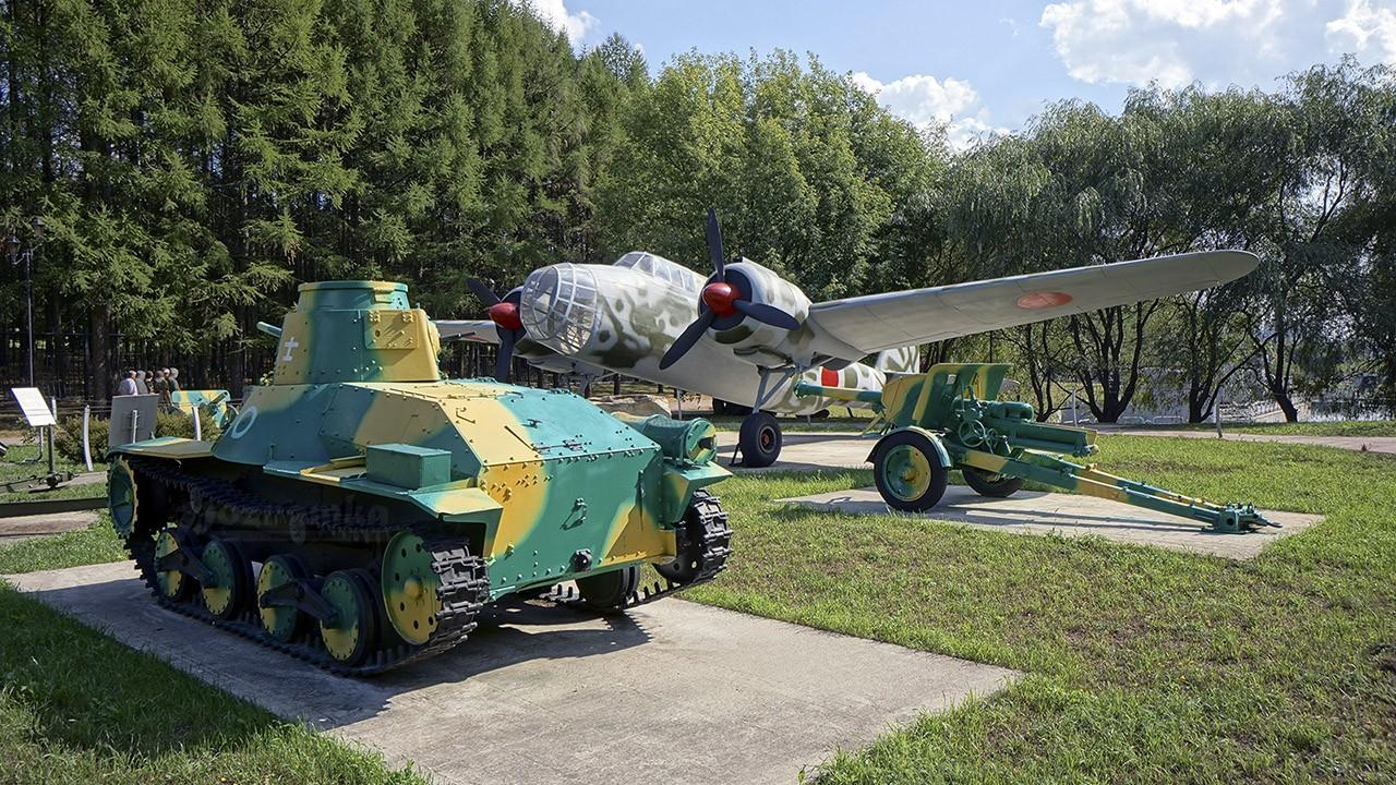 Экспонаты Музея военной техники под открытым небом на Поклонной горе