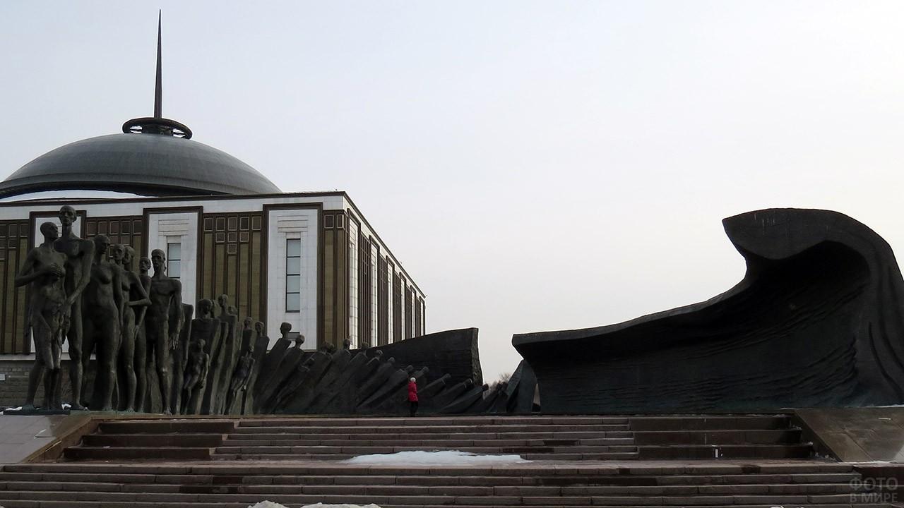 Панорама мемориала Трагедия народов