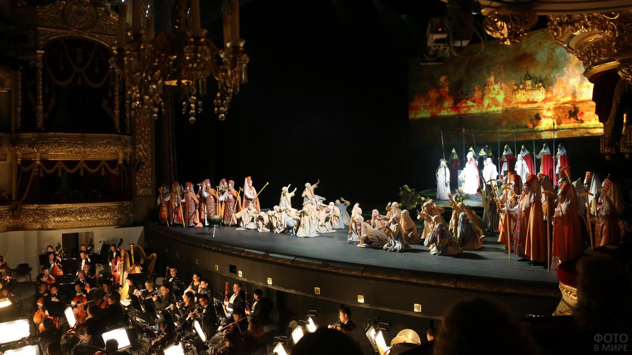 Опера на сцене Большого театра