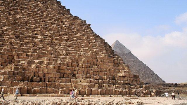 Подножье пирамиды Хеопса