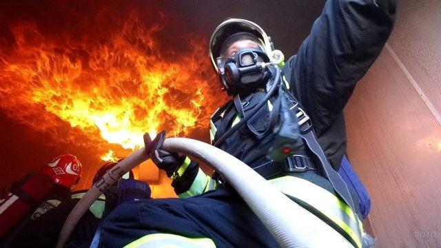 Опасная работа пожарных
