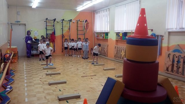 Спортивный конкурс для детей на День космонавтики