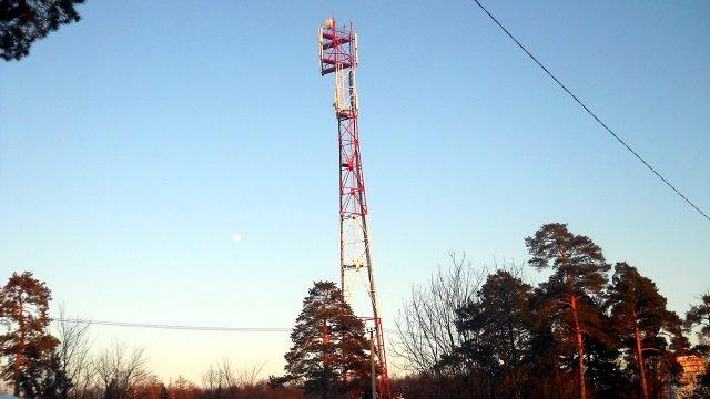 Базовая станция мобильного оператора связи в российской глубинке