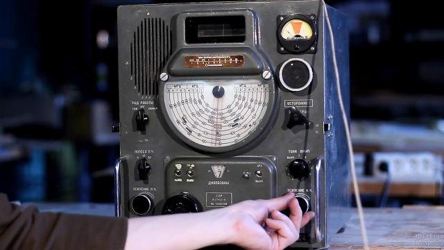 Ламповый радиоприёмник Волна