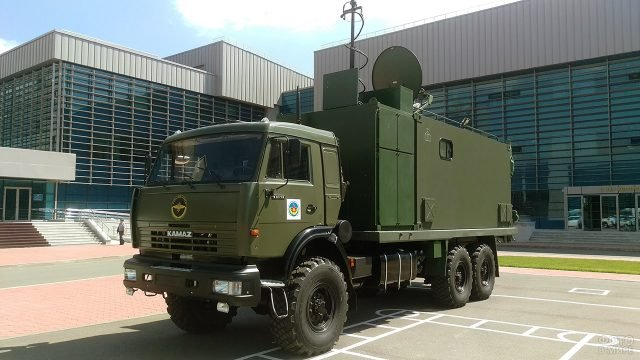 Военный КАМАЗ связи на выставке вооружений
