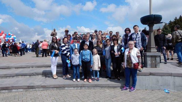 Большая ставропольская семья на празднике Первомая