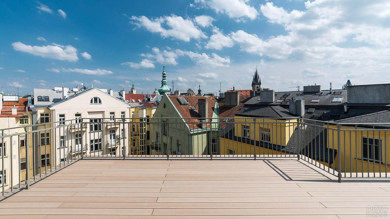 Вид с крыши на квартал Йозефов