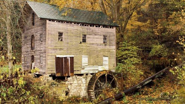 Заброшенная водяная мельница