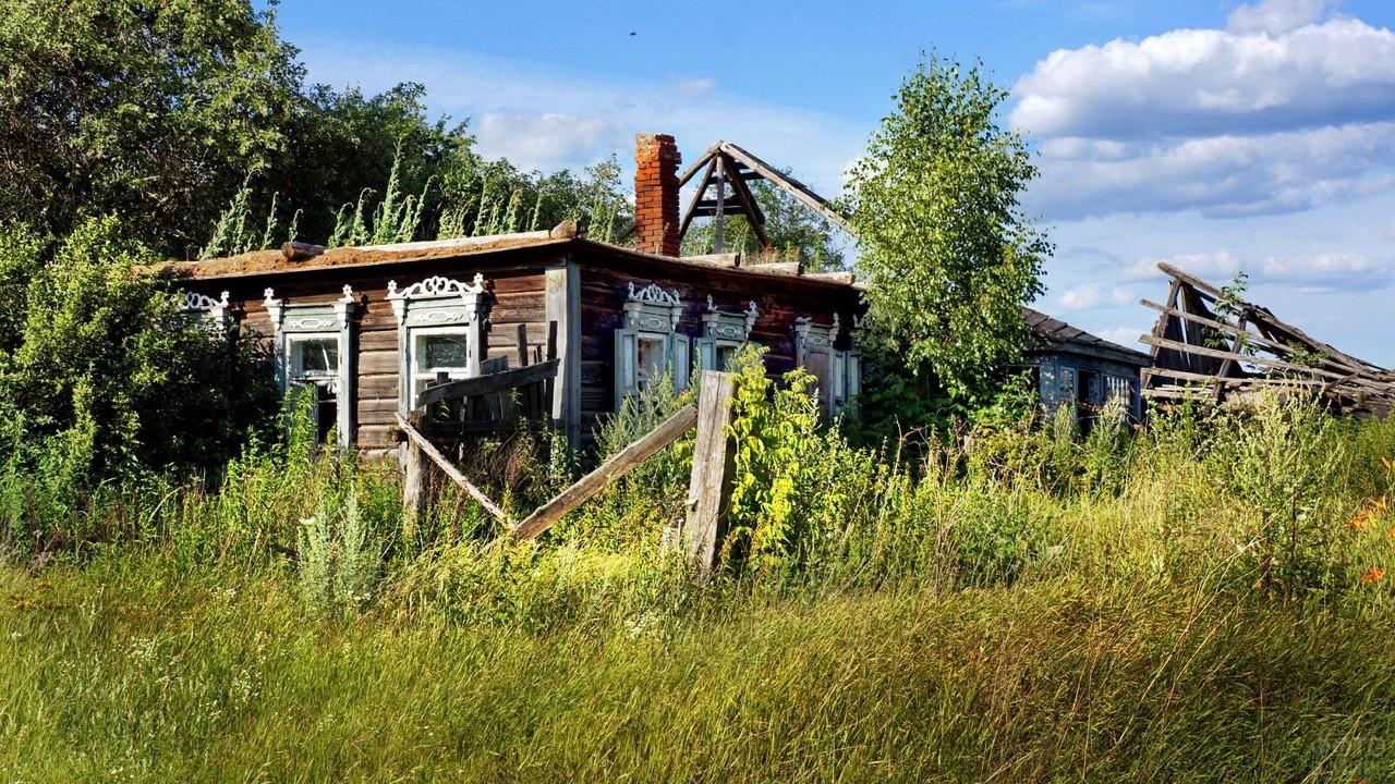 Заброшенный дом в Брянской области