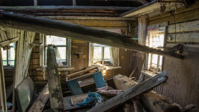 Заброшенный дом внутри