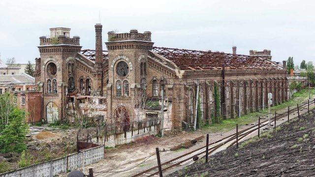Разрушающийся одесский краностроительный завод