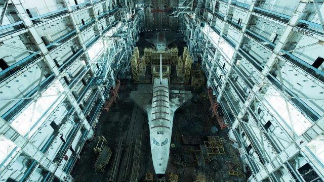 Сборочный цех космических кораблей Буран