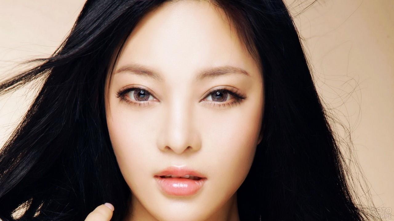 Глаза китайской девушки