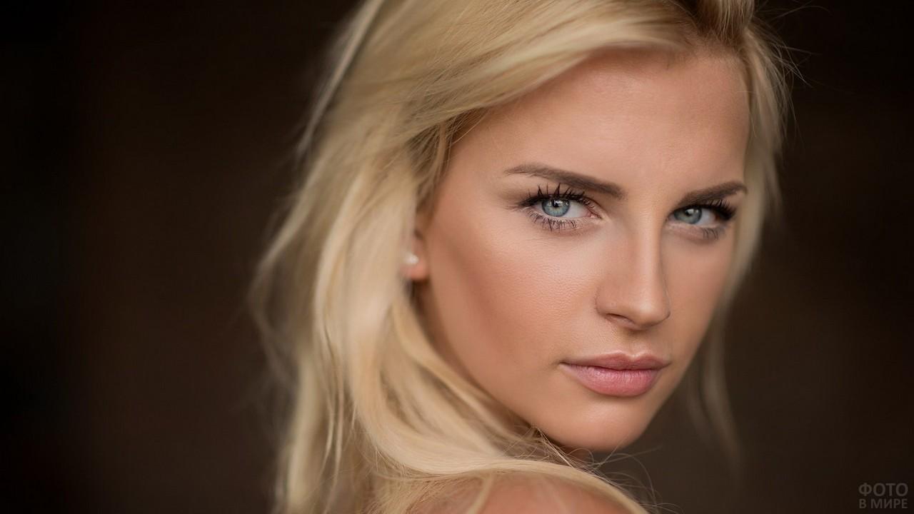 Глаза скандинавской красавицы
