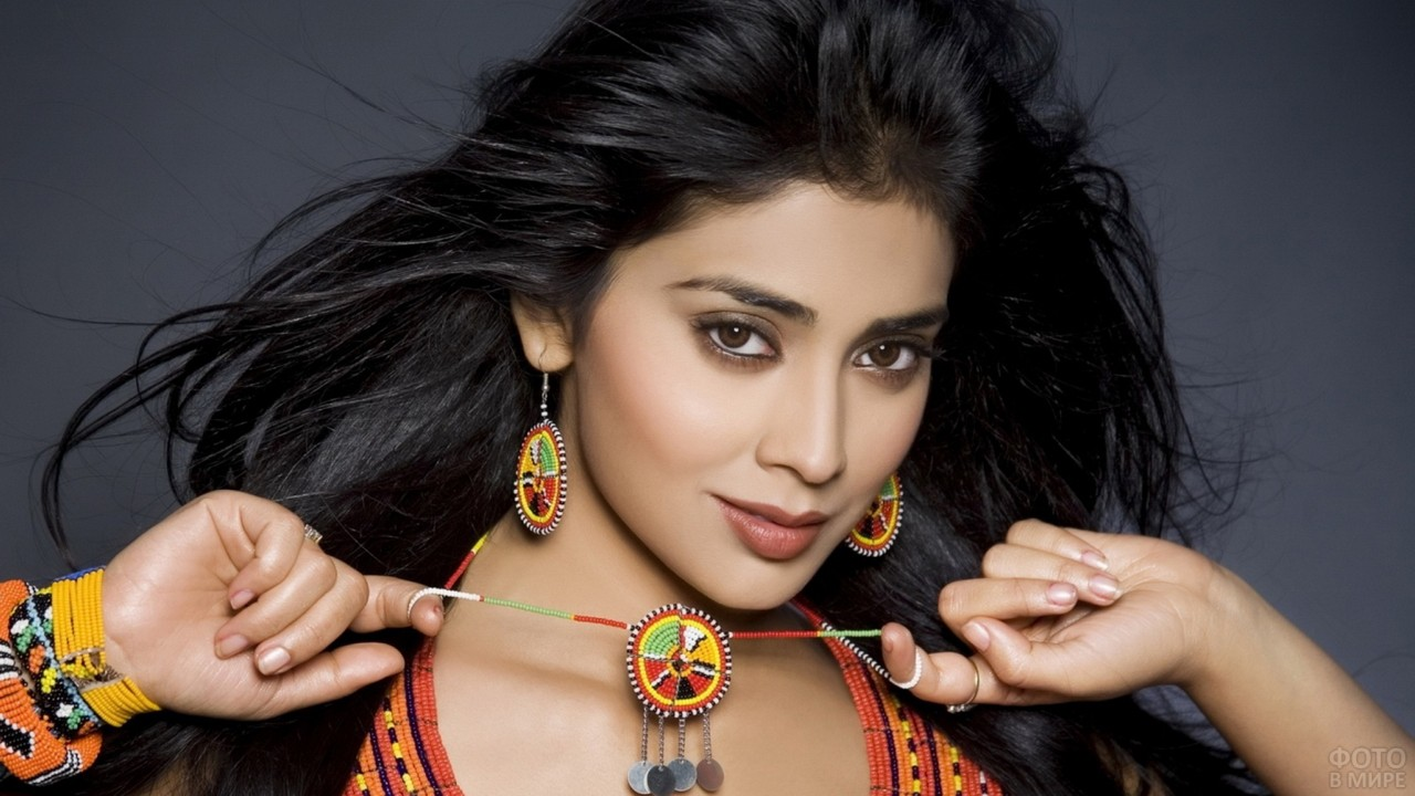 Взгляд индийской красавицы