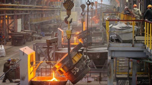 Сталелитейный цех металлургического завода