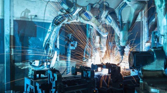 Станки с искусственным интеллектом в цеху на российском заводе