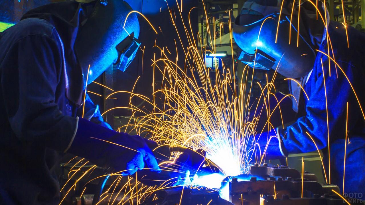 Сварочный цех на заводе