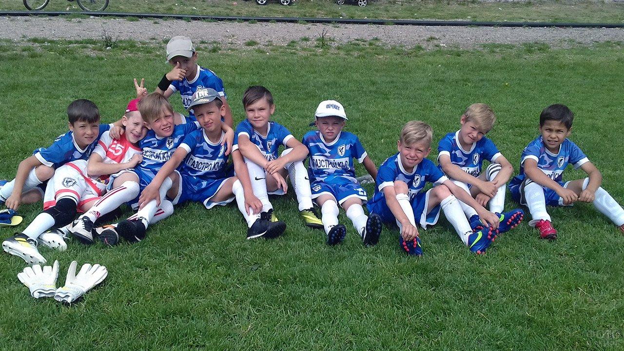 Детская футбольная команда в День защиты детей в Ставропольском крае