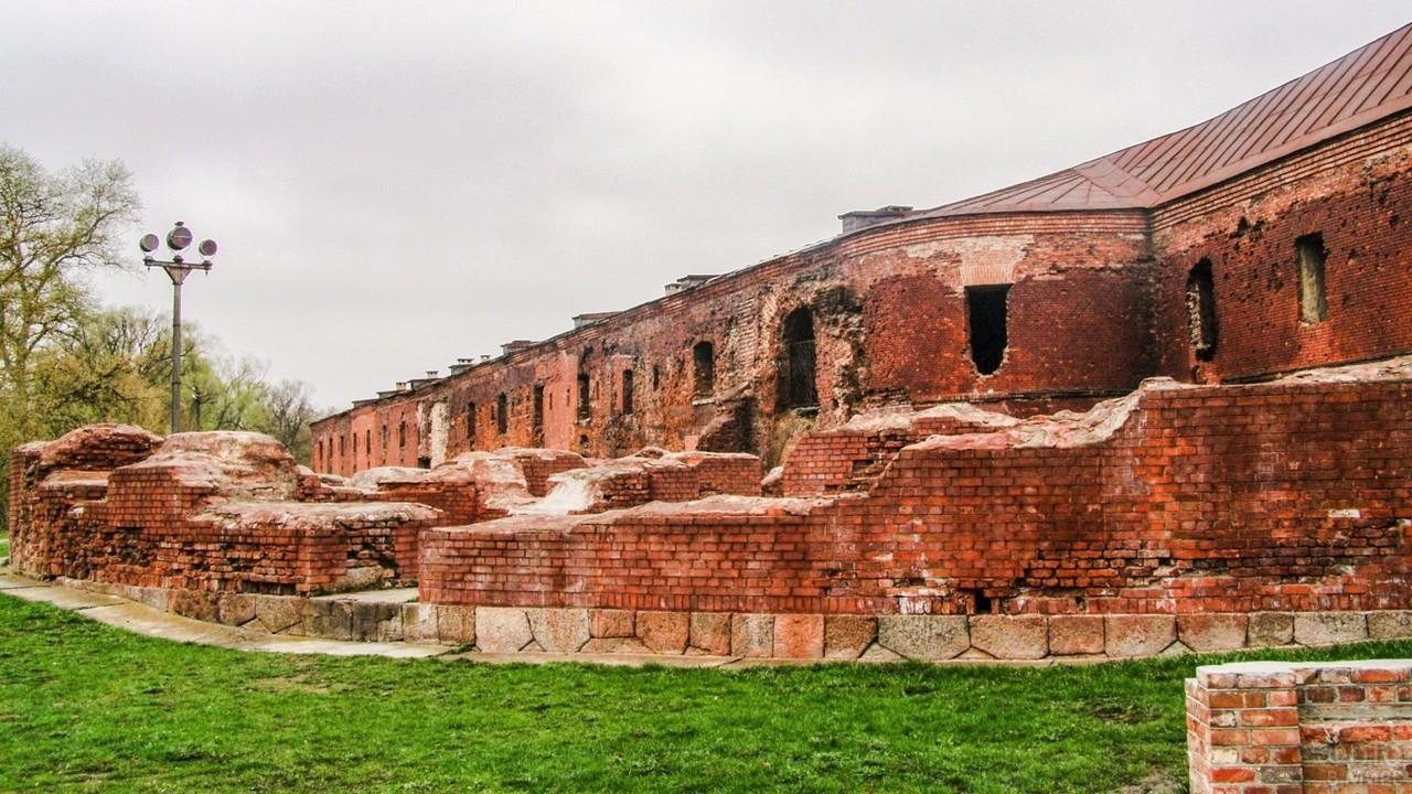 Оставшиеся строения в Брестской крепости