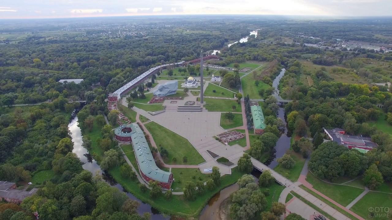 Панорамный вид с высоты на Брестскую крепость