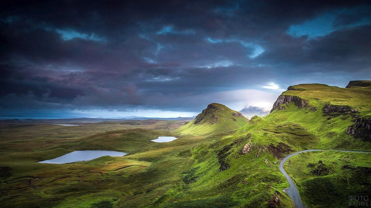 Горный пейзаж острова Скай в Шотландии