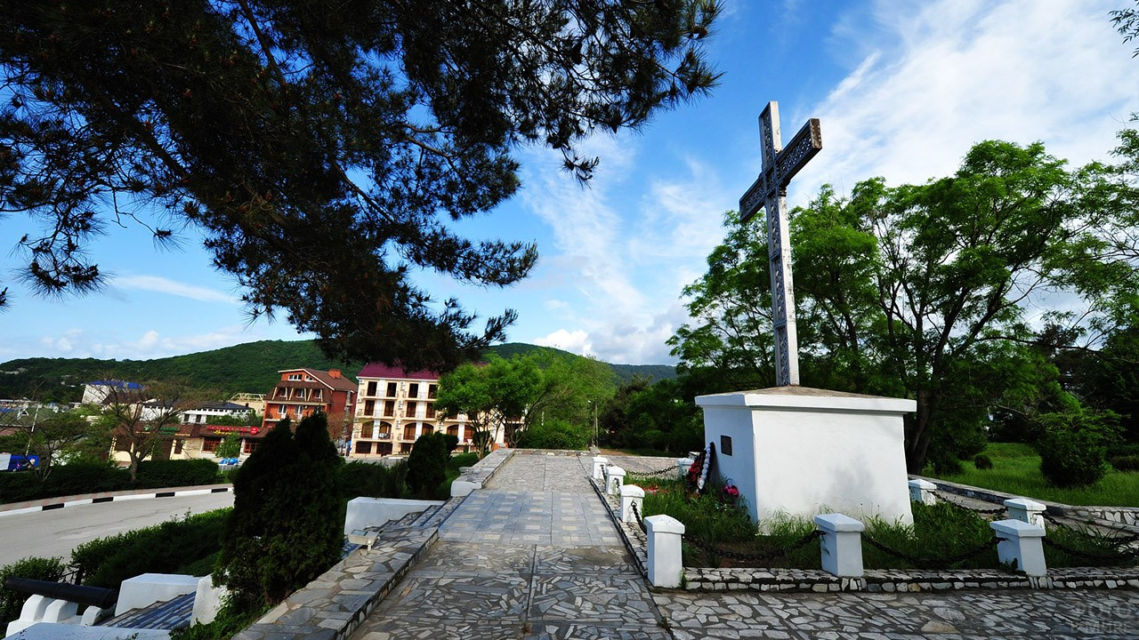 Памятный крест Архипу Осипову